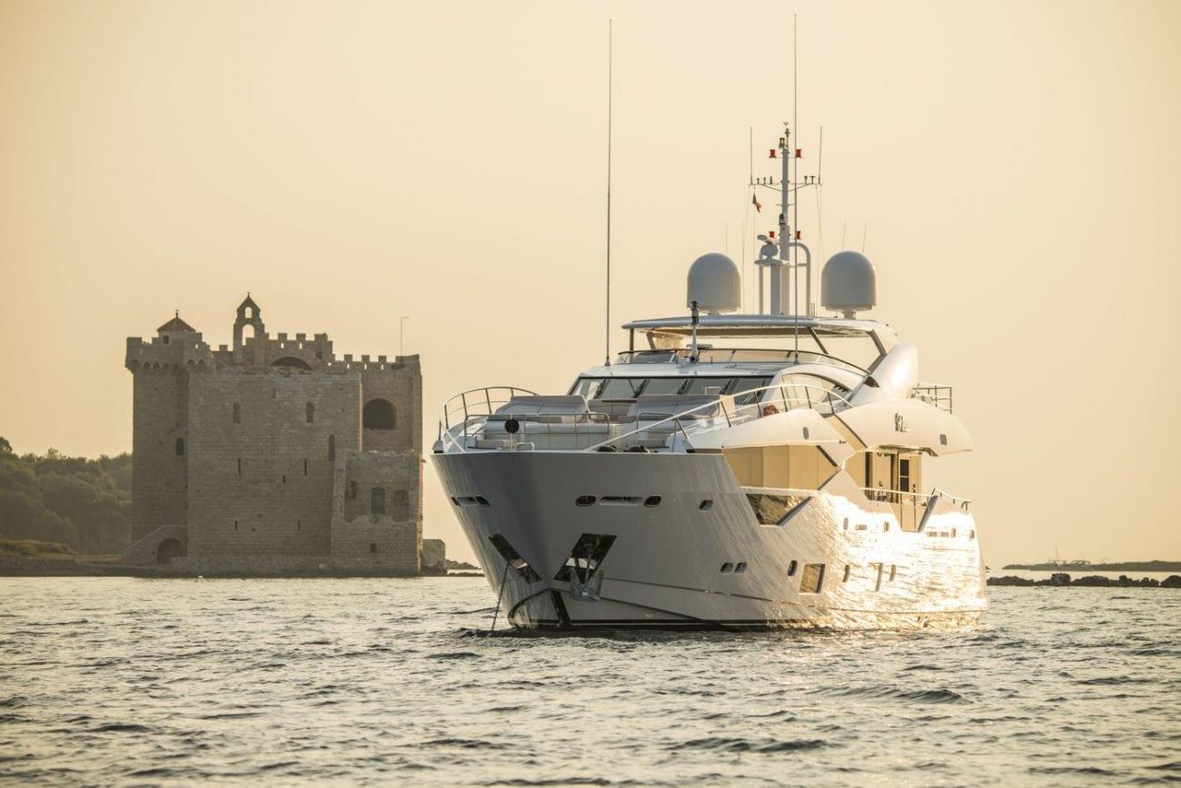 יאכטה Sunseeker Yacht 116
