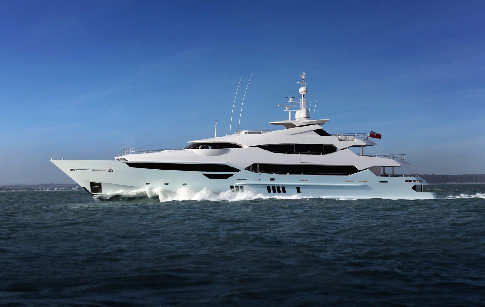 SUNSEEKER YACHTS - Stream Yachts