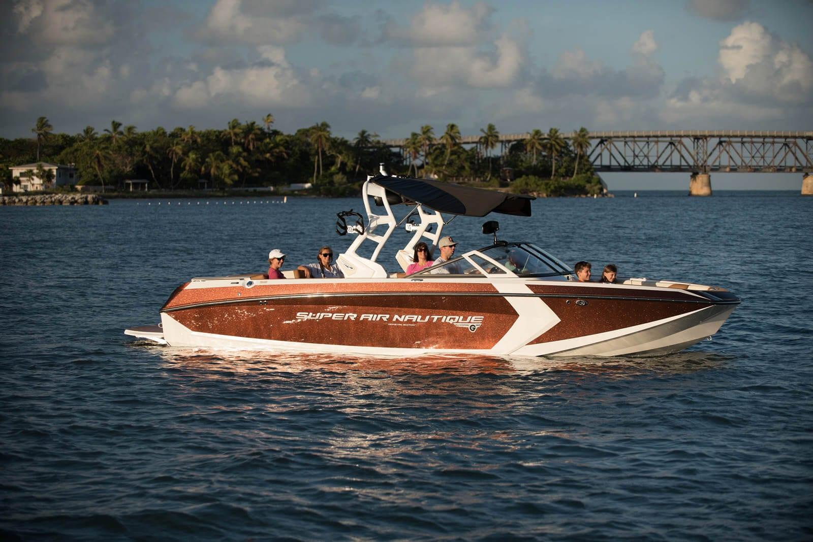 סירת ספורט וויקסרף וויקבורד NAUTIQUE G25 - סירת ספורט וויקסרף וויקבורד NAUTIQUE G25 - סטרים יאכטות