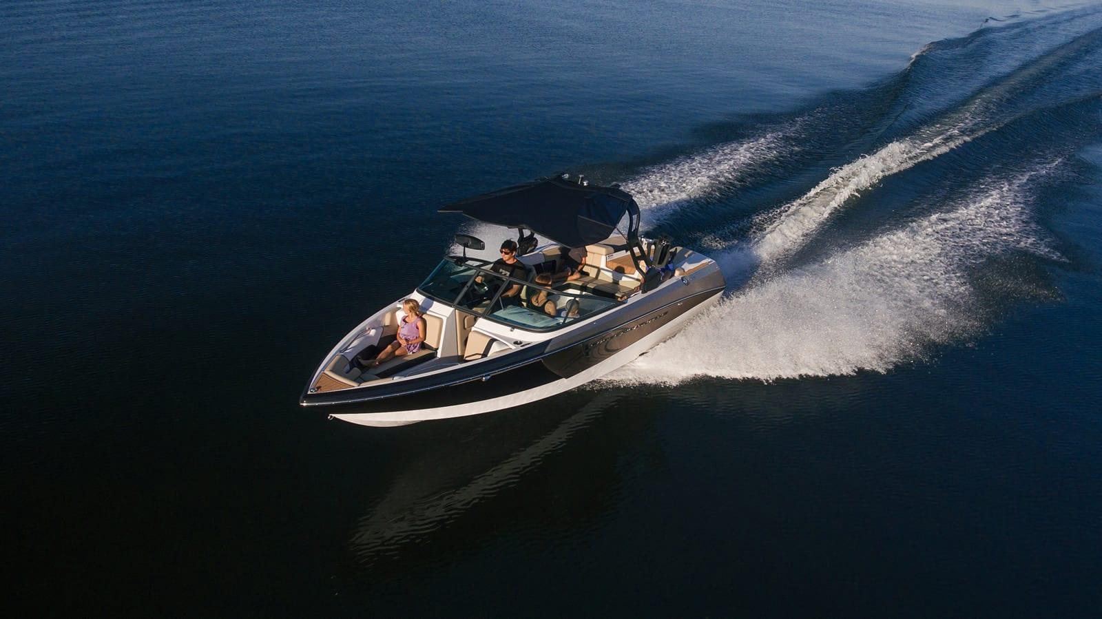 סירת ספורט וויקסרף וויקבורד NAUTIQUE 230 - סירת ספורט וויקסרף וויקבורד NAUTIQUE 230 - סטרים יאכטות