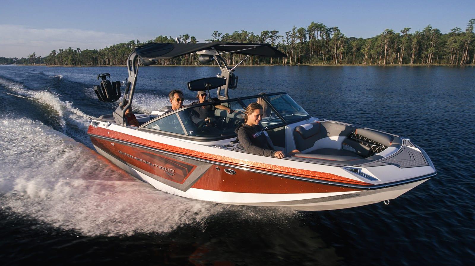 סירת ספורט וויקסרף וויקבורד וסקי NAUTIQUE GS20 - סירת ספורט וויקסרף וויקבורד וסקי NAUTIQUE GS20 - סטרים יאכטות