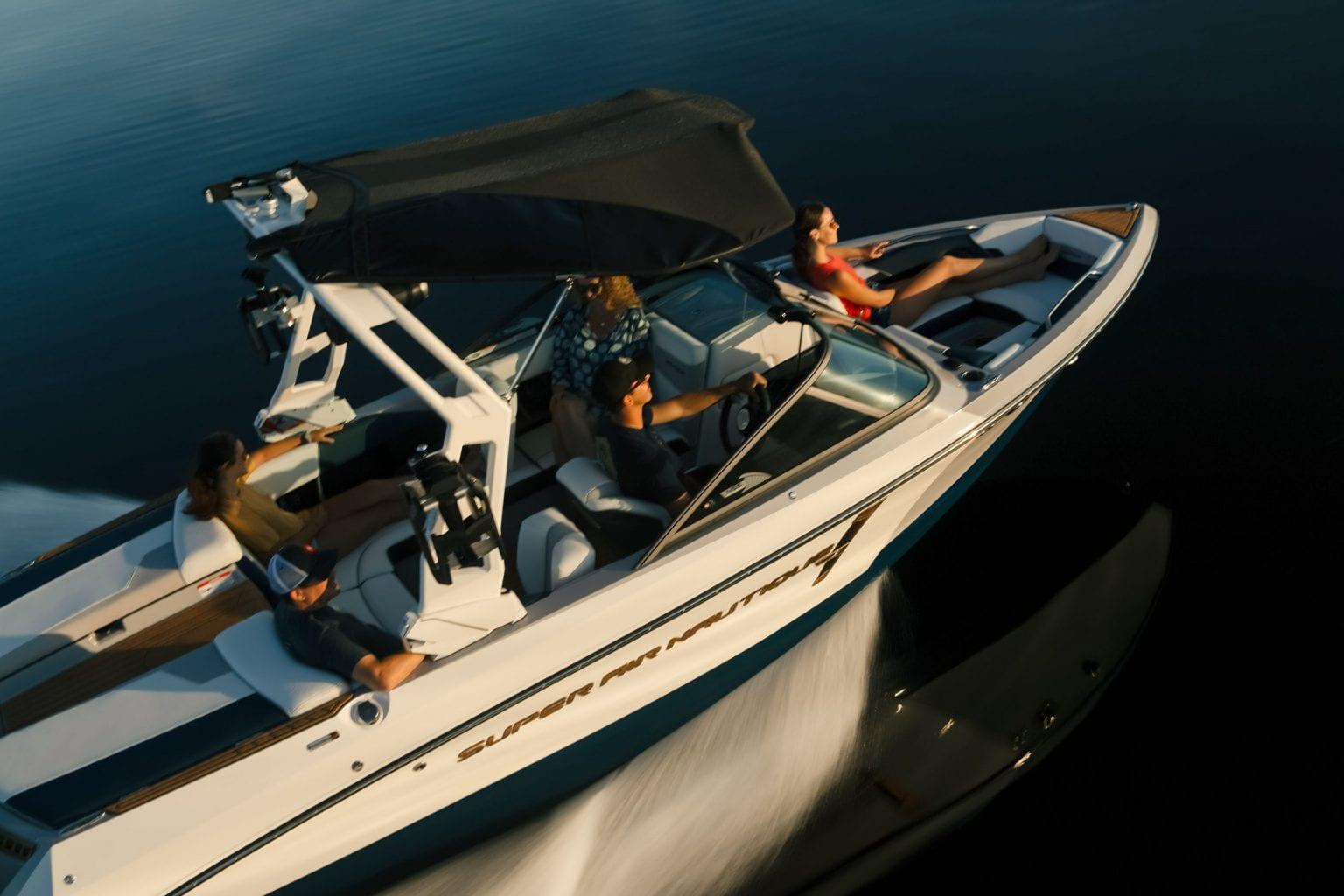 סירת ספורט - וויקסרף וויקבורד SUPER AIR NAUTIQUE 210 - סטרים יאכטות