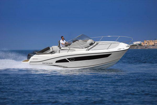 סירת מנוע JEANNEAU CAP CAMARAT 9.0WA