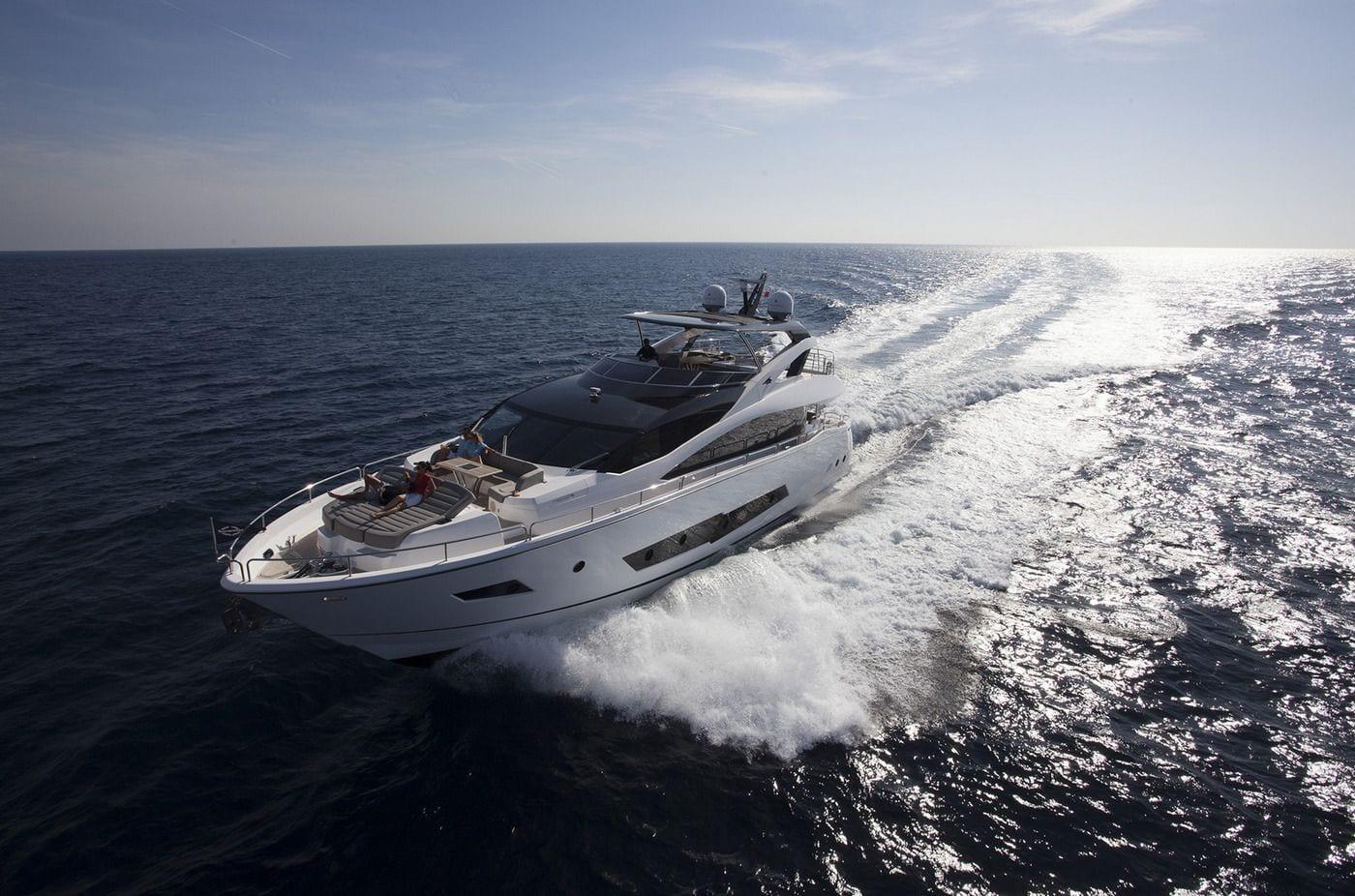 יאכטה Sunseeker Yacht 86 - סטרים יאכטות