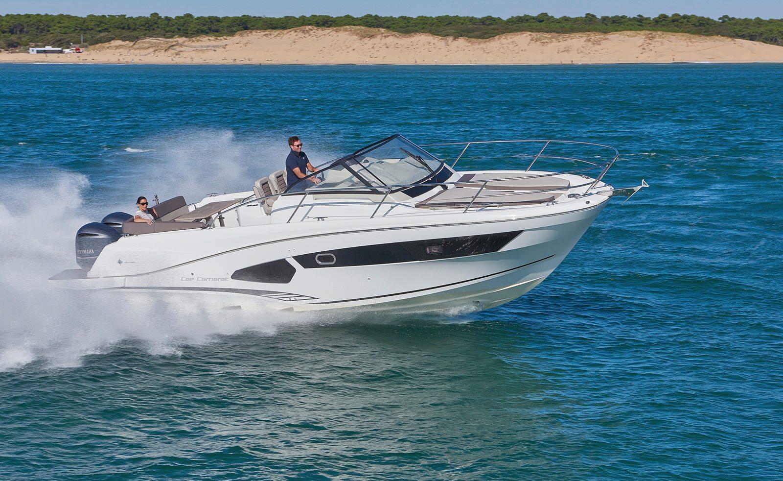 סירת מנוע JEANNEAU CAP CAMARAT 10.5WA - סירת מנוע JEANNEAU CAP CAMARAT 10.5WA - סטרים יאכטות