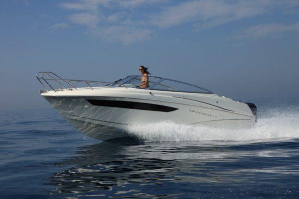 סירת מנוע JEANNEAU CAP CAMARAT 7.5DC