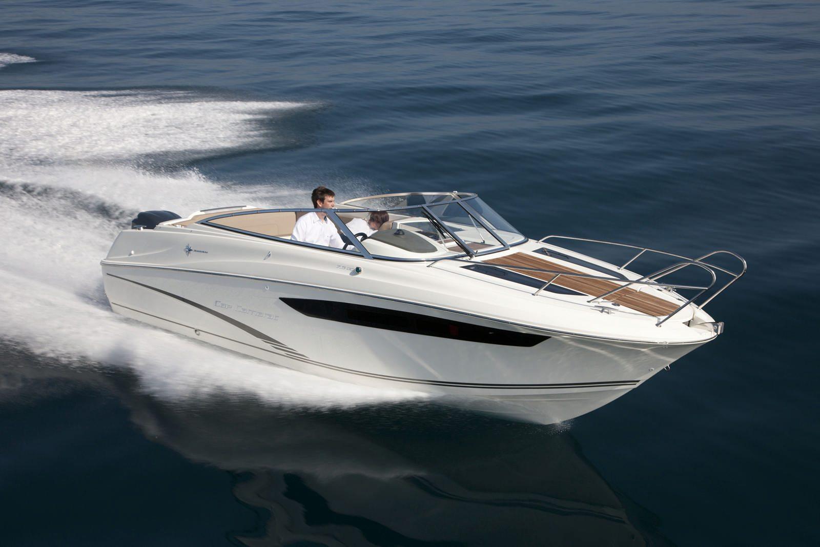 סירת מנוע JEANNEAU CAP CAMARAT 7.5DC - סירת מנוע JEANNEAU CAP CAMARAT 7.5DC - סטרים יאכטות