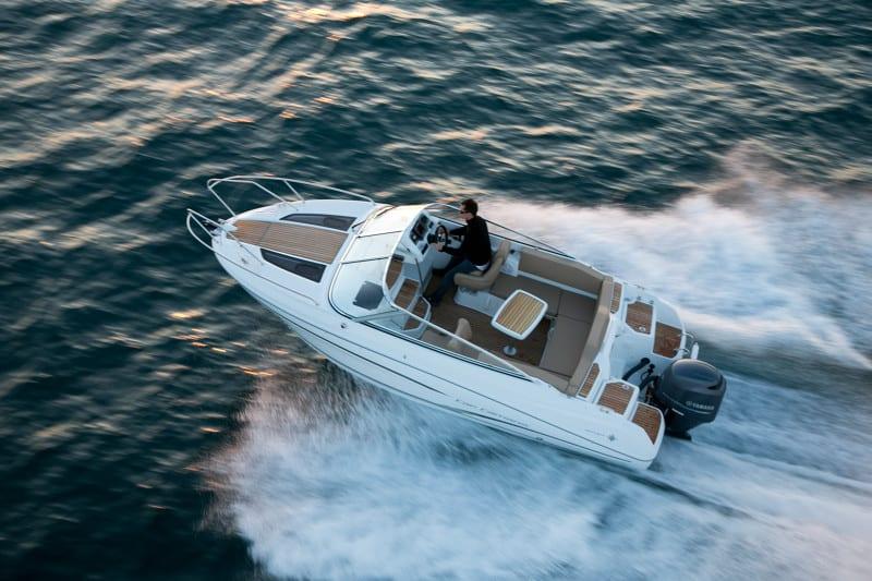 סירת מנוע JEANNEAU CAP CAMARAT 6.5DC - סטרים יאכטות