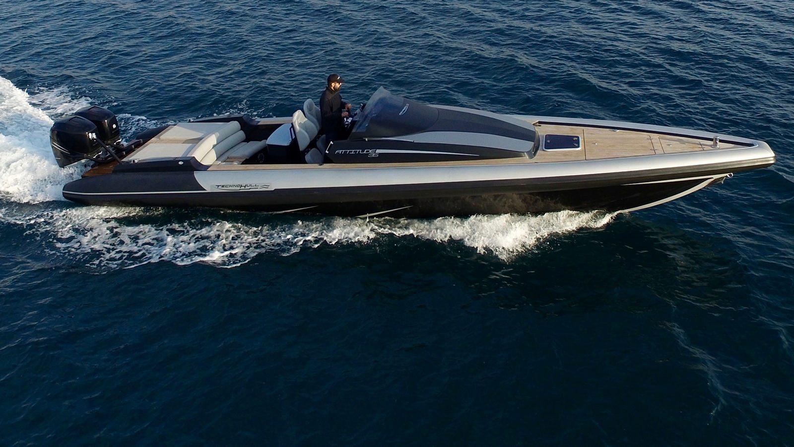 סירה חצי קשיחה TECHNOHULL ATTITUDE 35 - סטרים יאכטות - TECHNOHULL ATTITUDE 35 - Stream Yachts