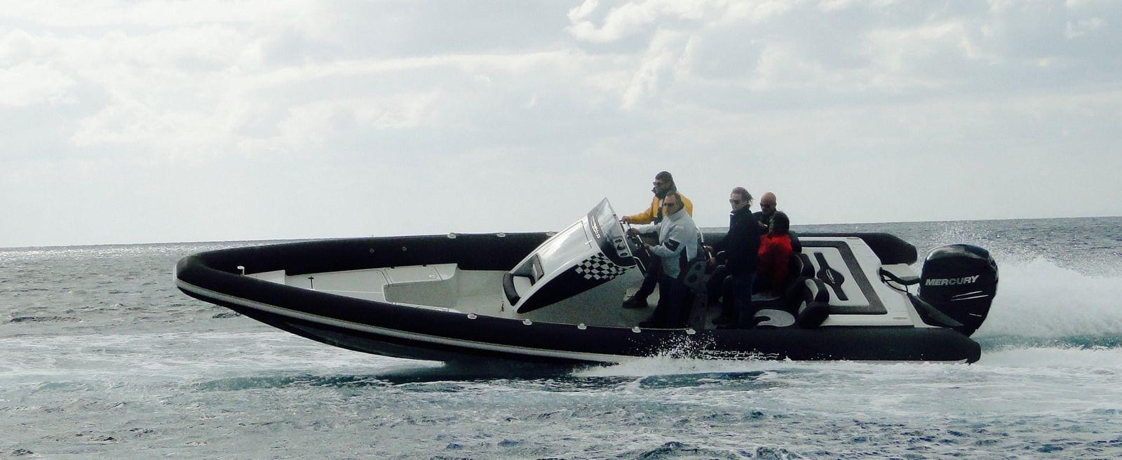 סירות חצי קשיחות - למרחקים ארוכים ומהירויות מסחררות - סטרים יאכטות