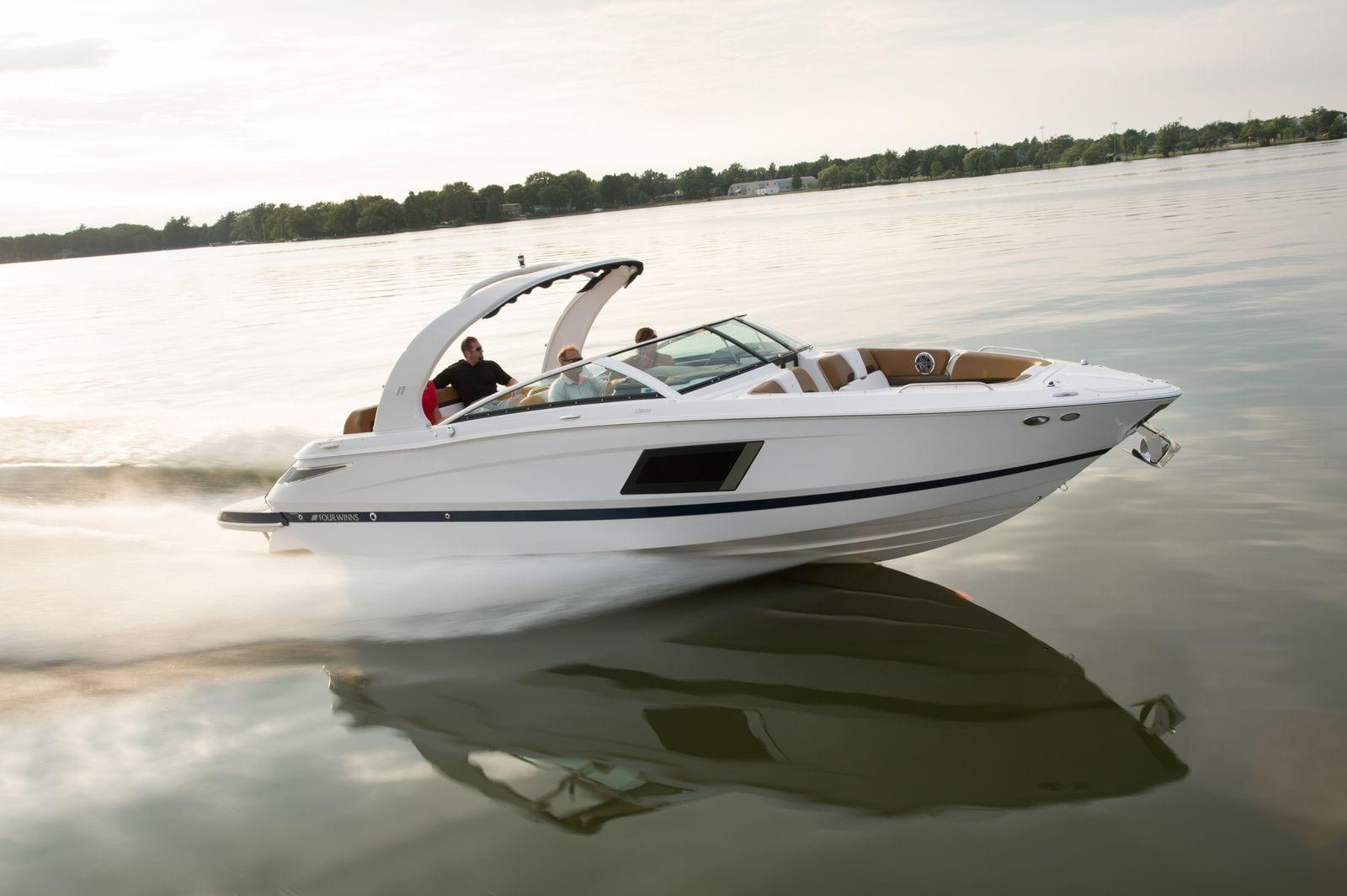 Four Winns - Stream Yachts
