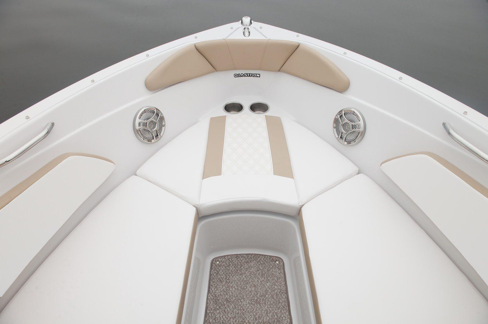 סירת ספורט Glastron 207 - סירת ספורט Glastron 207 - סטרים יאכטות