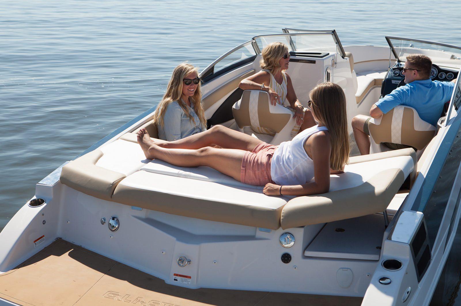 סירת ספורט Glastron 245 - סירת ספורט Glastron 245 GT/GTS - סטרים יאכטות