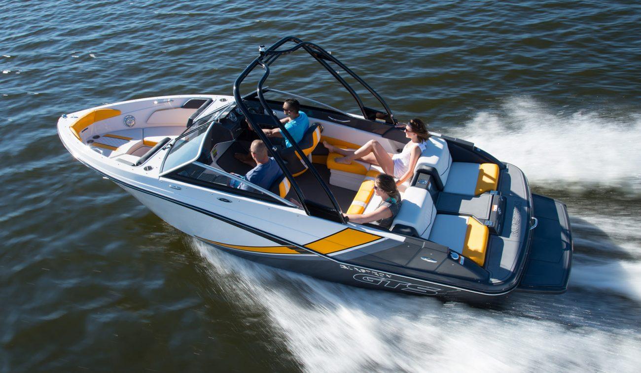 סירת ספורט Glastron 207