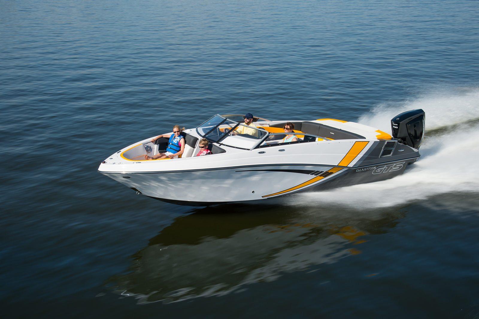 סירת ספורט Glastron 240 - סירת ספורט Glastron 240 - סטרים יאכטות