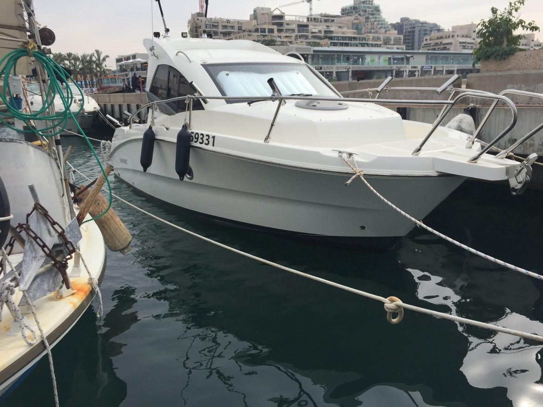 סירת דייג KARNIC 2455 עצמה א' - סטרים יאכטות