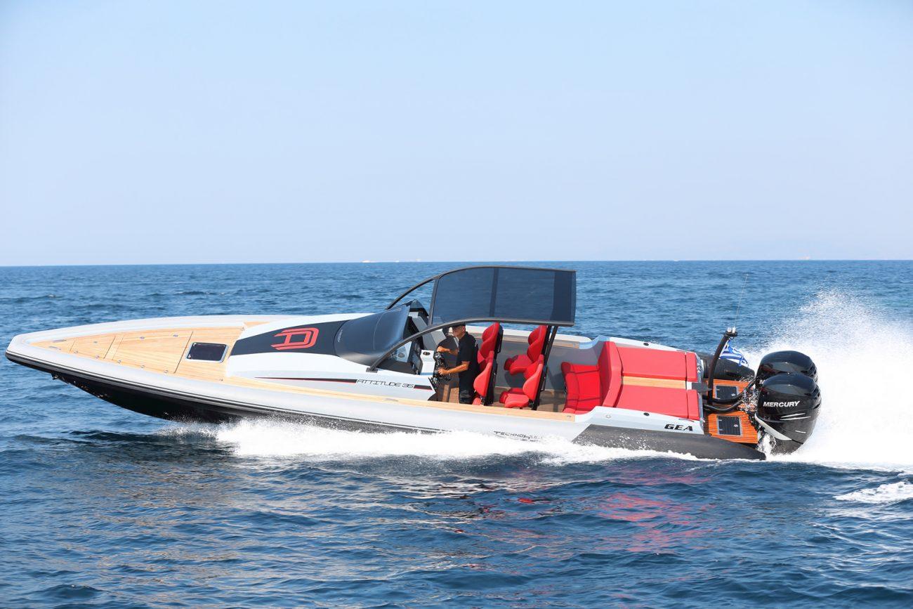 סירה חצי קשיחה TECHNOHULL ATTITUDE 35 - סטרים יאכטות