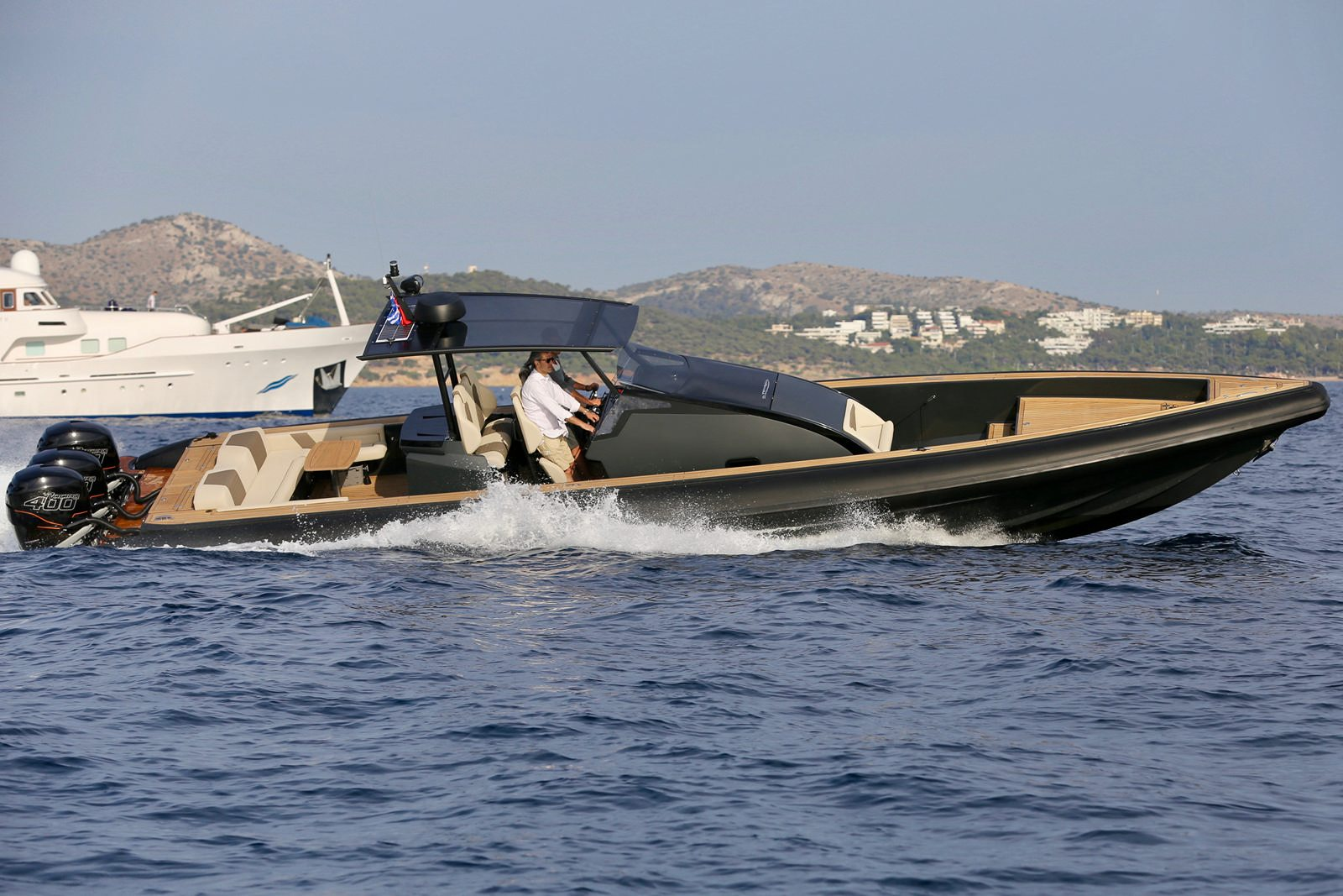 סירה חצי קשיחה TECHNOHULL OMEGA 45 - סטרים יאכטות