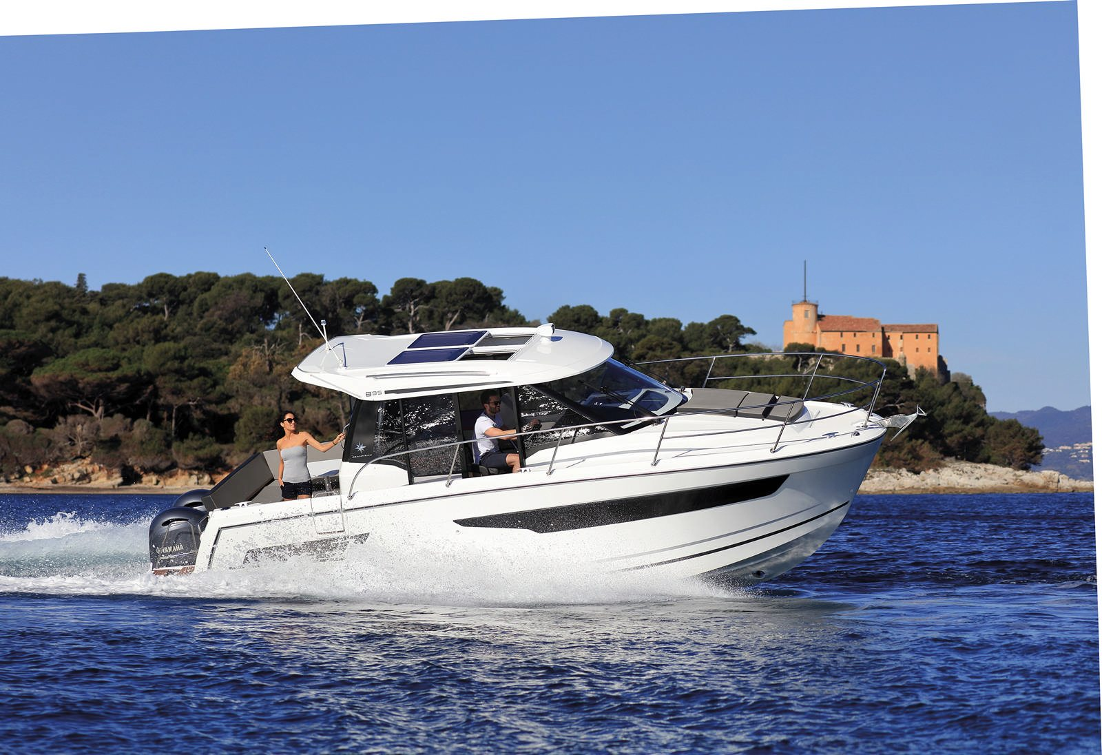 סירת מנוע JEANNEAU MERRY FISHER 895 - יד שנייה - סירת מנוע JEANNEAU MERRY FISHER 895 - סטרים יאכטות