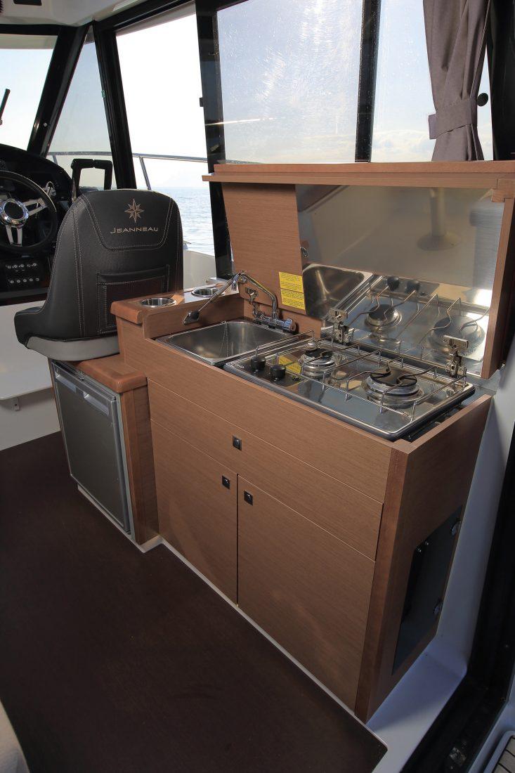 סירת מנוע JEANNEAU MERRY FISHER 895 - סירת מנוע JEANNEAU MERRY FISHER 895 - סטרים יאכטות