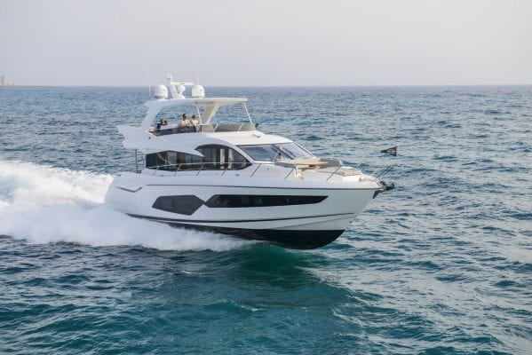 יאכטה Sunseeker Manhattan 66