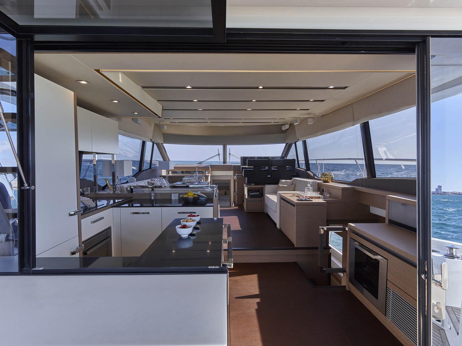 Prestige 630F - Stream Yachts