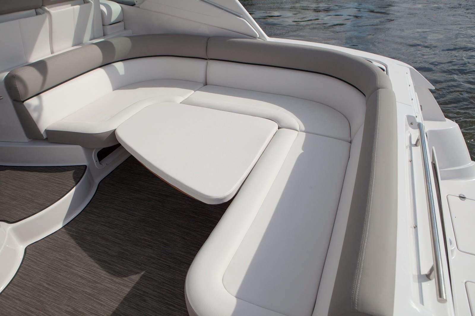 יאכטה Four Winns V375 - Four Winns V375 - Stream Yachts