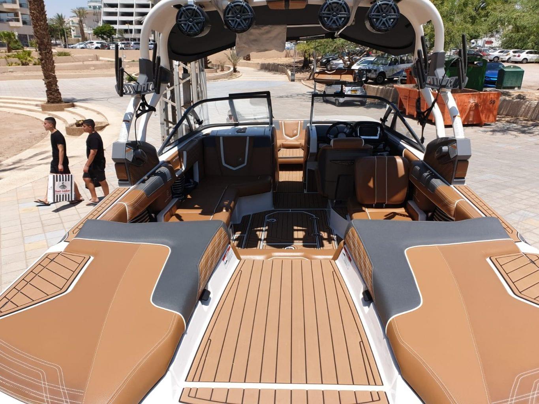 סירת וויקסרף וויקבורד G23 COASTAL EDITION יד שניה - סטרים יאכטות