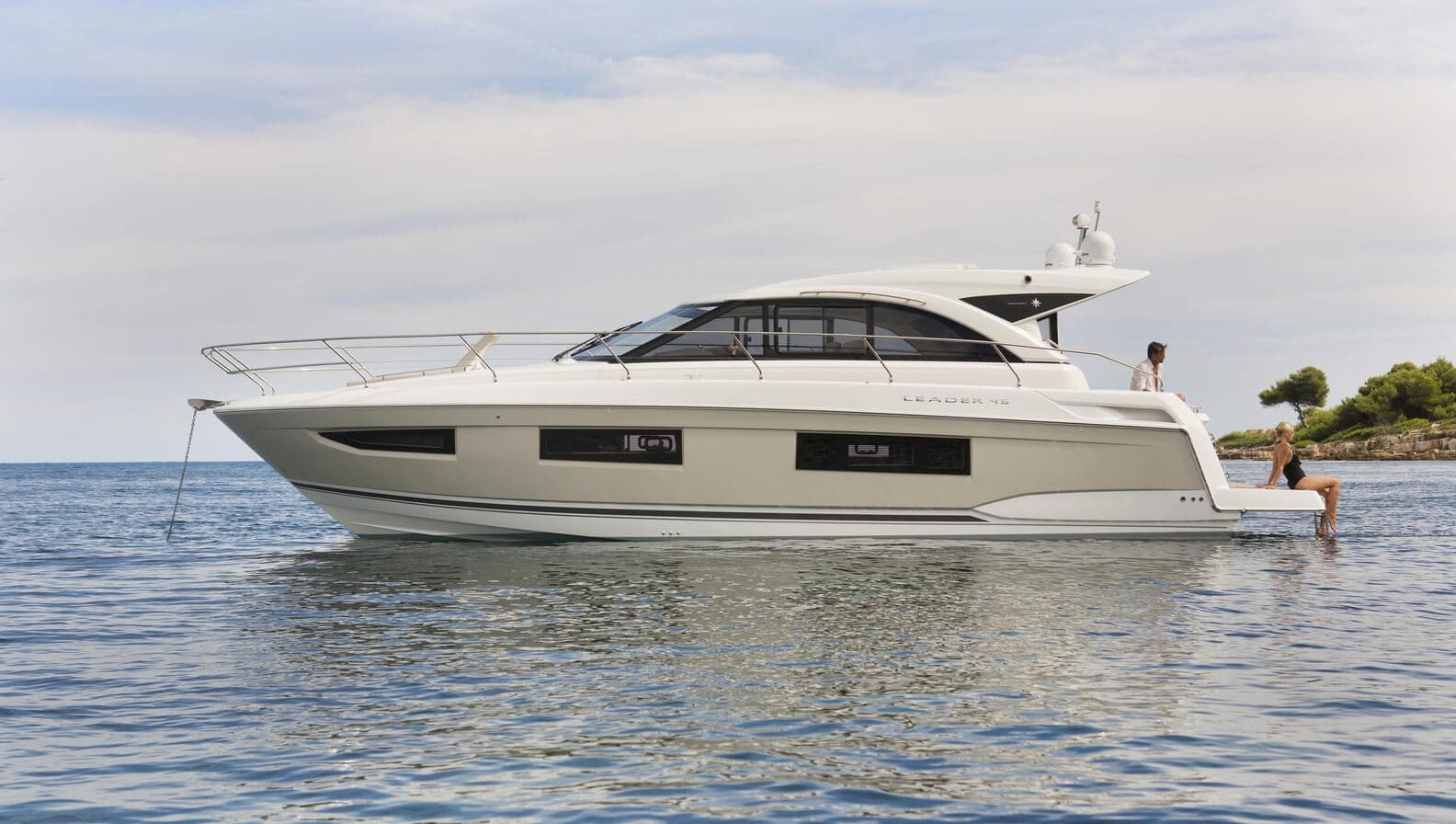Used motor yachts Archives - Stream Yachts