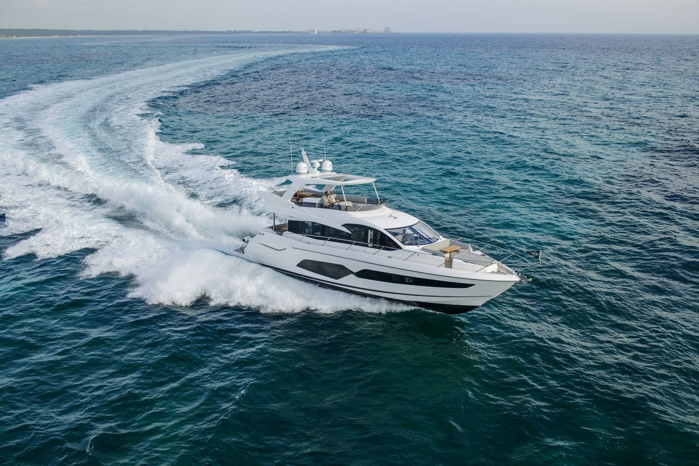 יאכטה Sunseeker Manhattan 66 - סטרים יאכטות